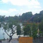 ベトナム珈琲を飲みながらホアンキエム湖を一望