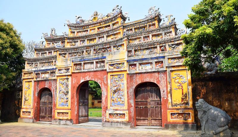 フエ王宮の門