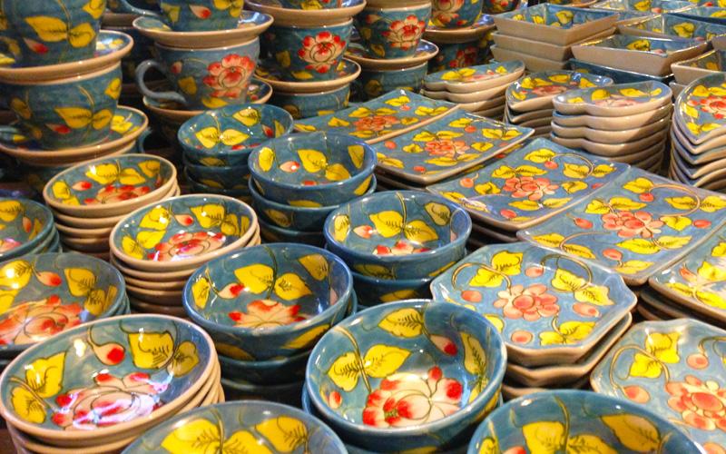 バチャン村の陶器