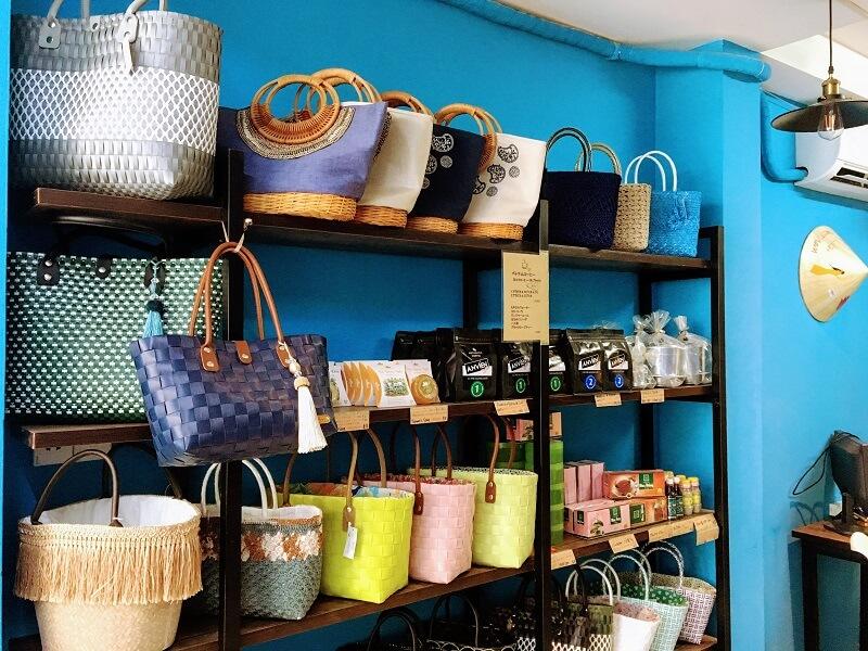 TNKトラベルJAPANのお土産・雑貨コーナー