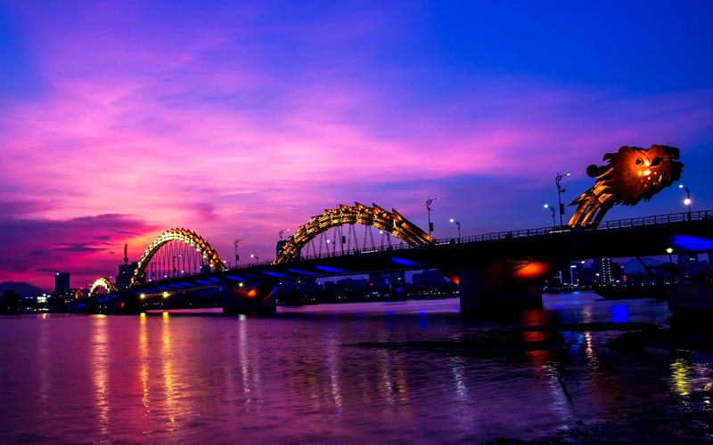 ダナン 龍の橋