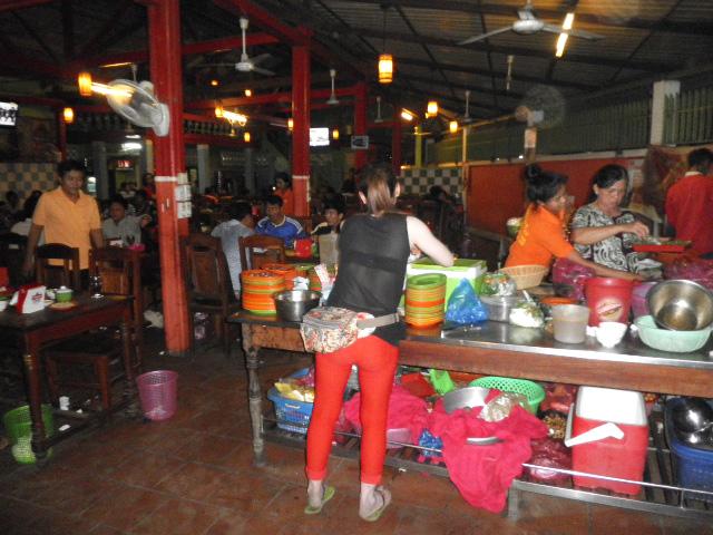 カンボジアのローカルBBQ