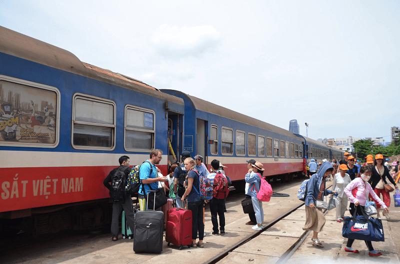 ベトナムの列車 ダナン駅