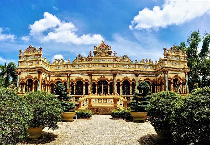 ベトナム南部最大の仏教寺院