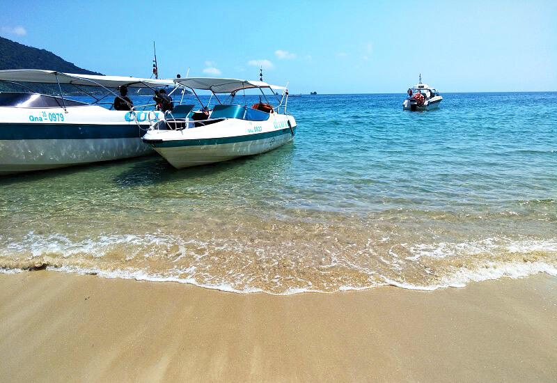 ホイアンから1時間で行けるチャム島のビーチ