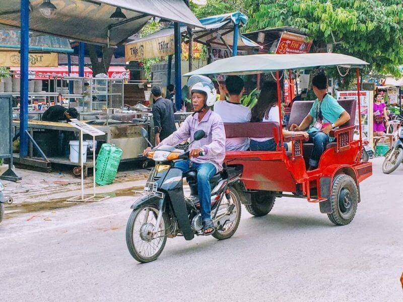 カンボジア_トゥクトゥク