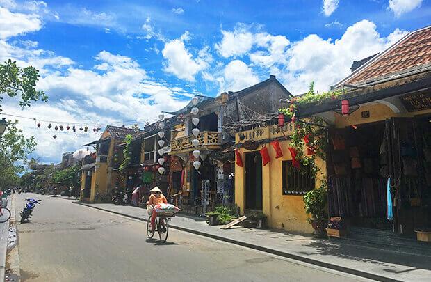 世界遺産ホイアンの黄色い街並み
