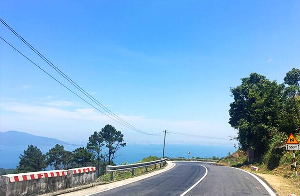 ハイヴァン峠の道