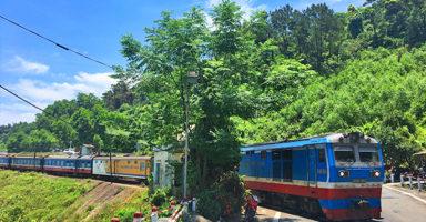 ダナンフエ間のベトナム列車