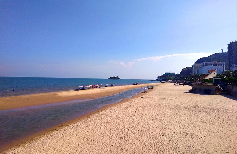 ブンタウのビーチ