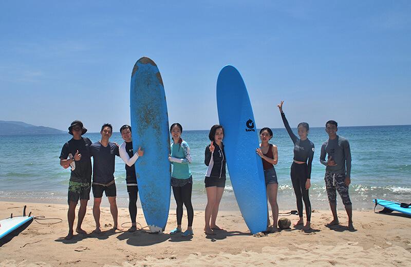 晴れた日のリア充 - ダナンの日本語サーフィン体験教室