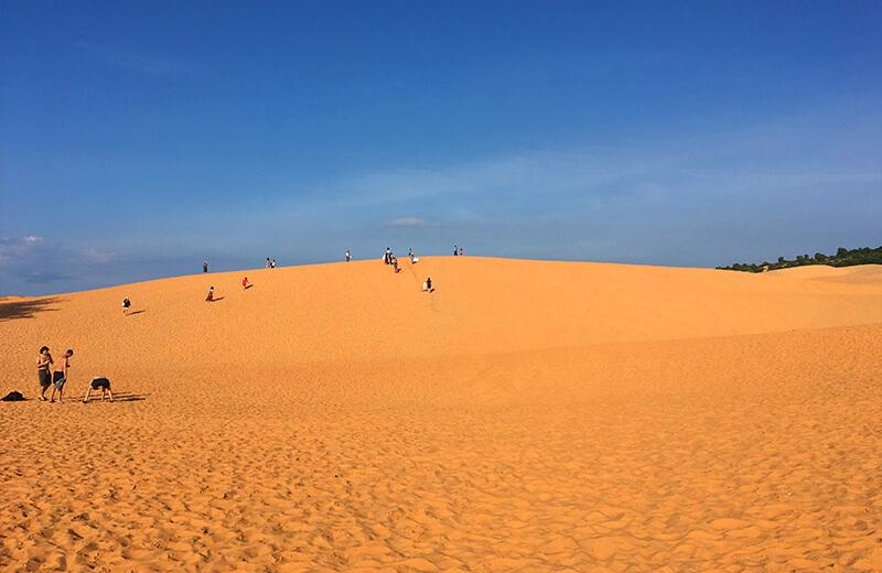 赤の砂丘 - ムイネー観光気球ツアーレポ