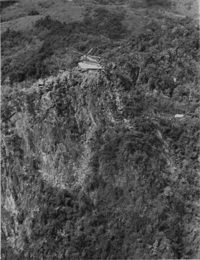 かつてのロックパイル- フエからベトナム戦争時代の国境地帯 DMZ(非武装地帯)ツアーに参加してきた。