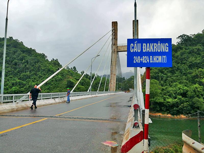 ホーチミンルートへと繋がるダクロン橋- フエからベトナム戦争時代の国境地帯 DMZ(非武装地帯)ツアーに参加してきた。