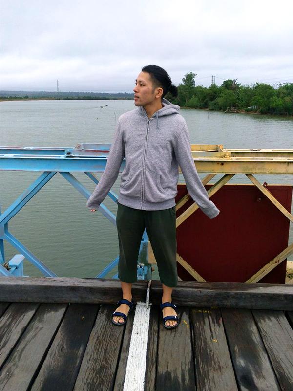 ヒエンルオン橋の南北の境目、境界線 - フエからベトナム戦争時代の国境地帯 DMZ(非武装地帯)ツアーに参加してきた。