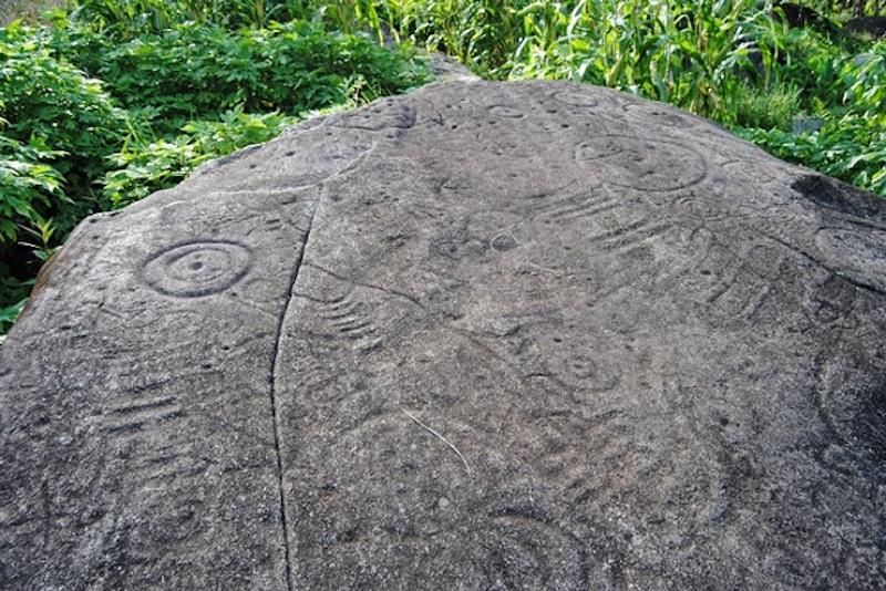 サパの古代岩 マニアック ベトナムの「ネクスト世界遺産」