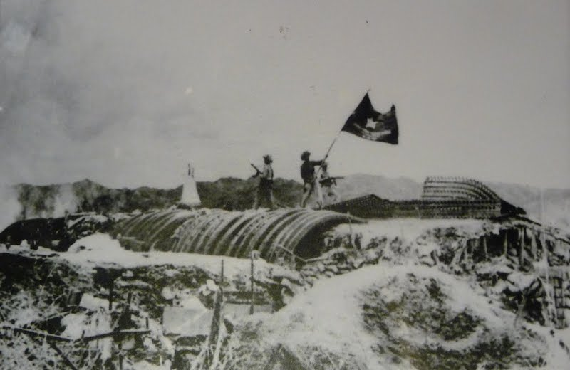 ディエンビエンフーの戦いに勝利したベトナム軍(インドシナ戦争)