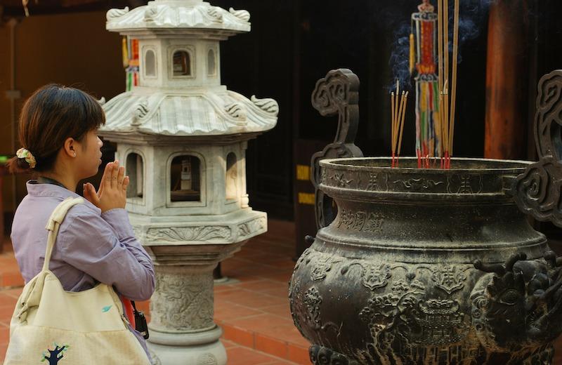 ベトナムの寺院・教会の見学