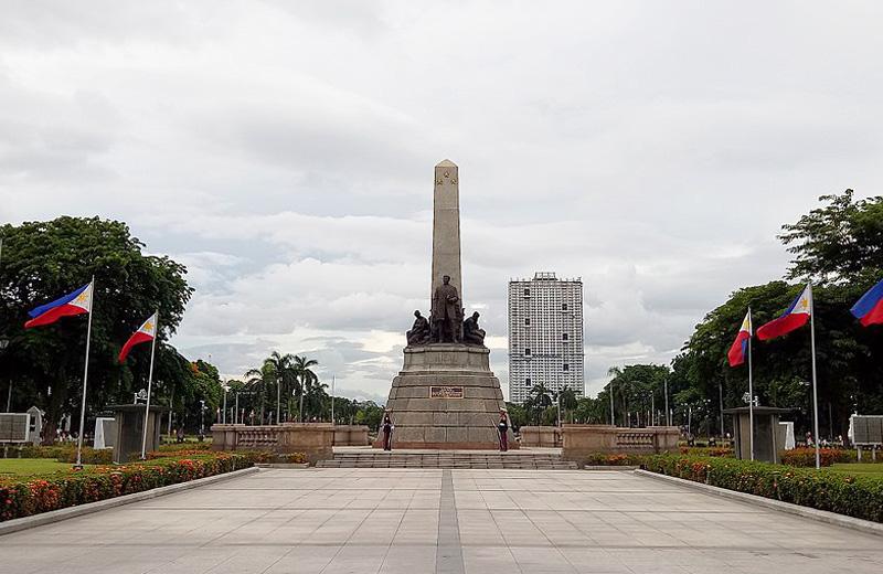 リサール公園 フィリピン国民の英雄「ホセ・リサール」フィリピン独立の最大の功労者