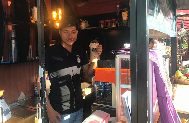 カンボジア 朝の美味しいコーヒーで癒されるの巻〜