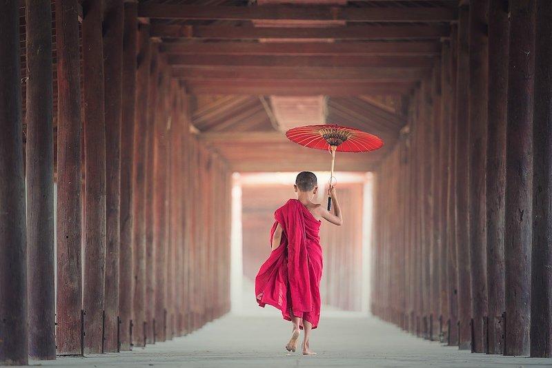 レディ・サヤドーが精力的に広めていく独特の世界感を持つミャンマー仏教の概要と歴史