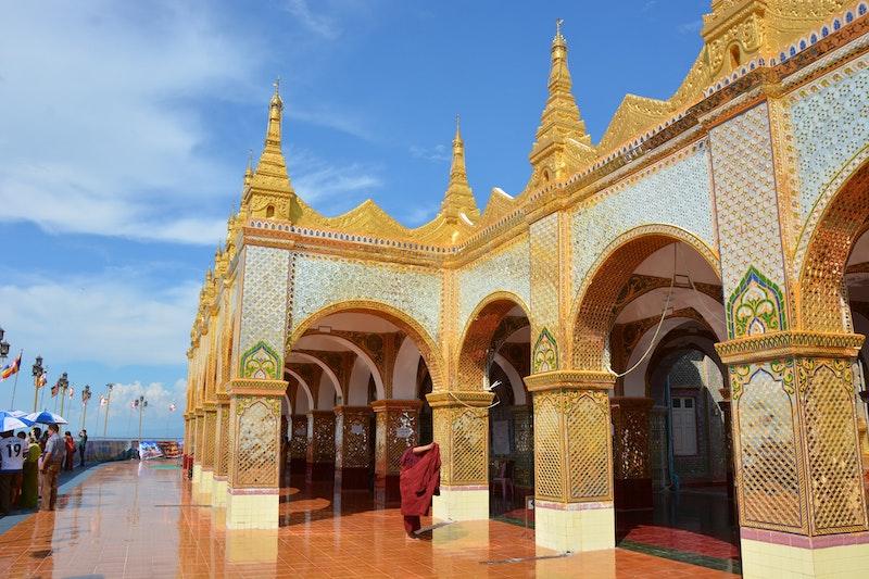 独特の世界感を持つミャンマー仏教の概要と歴史