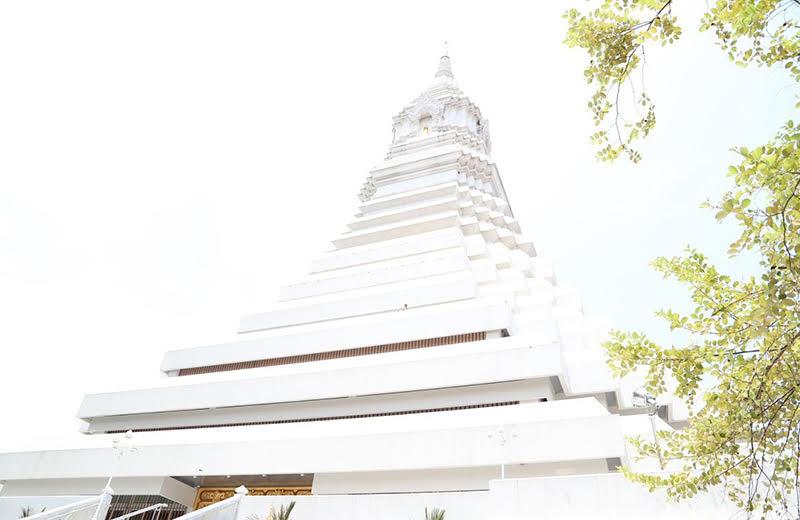 ワット・パクナム絶景の仏塔の歴史
